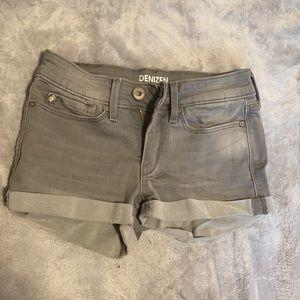 Levi's Girls size 8 Denim shorts